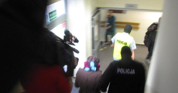Do 14 stycznia katowicki sąd przedłużył areszt Katarzynie W. Wniosek o pozostawienie matki małej Madzi za kratami złożyła prokuratura. Kobieta została zatrzymana w ubiegłym tygodniu po tym jak w połowie października przestała wypełniać warunki dozoru policyjnego. W. usłyszała zarzut zabójstwa swojej półrocznej córki.