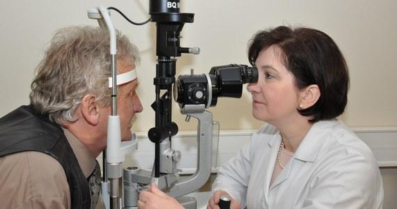 Lekarze z Katowic jako pierwsi w Polsce usunęli pacjentowi zaćmę wszczepiając mu soczewkę bioanalogiczną, czyli zbliżoną do naturalnej. Umożliwia ona wyraźne widzenie z bliska i na dużą odległość bez okularów.