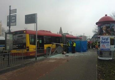 Autobus wjechał w przystanek w centrum Wrocławia