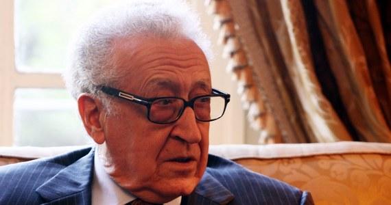 """""""Sytuacja w Syrii nadal martwi i mamy nadzieję, że wszystkie strony skierują się w stronę rozwiązania, na które liczy i którego wygląda naród syryjski"""" – powiedział po rozmowach z Baszarem Asadem specjalny wysłannik ONZ i Ligi Arabskiej do Syrii Lakhdar Brahimi. Dodał, że przedyskutował całościową sytuację z prezydentem tego kraju i wyłożył mu swoją opinię na temat rozwiązania wyniszczającego Syrię kryzysu."""