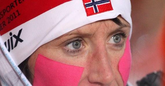 """""""Zwycięstwo Justyny Kowalczyk było jak najbardziej zasłużone"""" - tak Marit Bjoergen skomentowała wygraną Polki w ostatnim etapie Tour de Ski. Sama Norweżka musiała zrezygnować ze startu w cyklu z powodu nieprawidłowości w pracy serca. Zapowiedziała jednak, że za dwa tygodnie powróci do rywalizacji i weźmie udział w zawodach Pucharu Świata we Francji, w La Clusaz."""