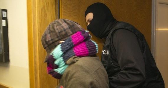 Sąd w Katowicach na 18 lutego wyznaczył wstępnie początek procesu Katarzyny W. Oskarżona, która będzie odpowiadać za zabójstwo swojej półrocznej córeczki, na salę rozpraw zostanie doprowadzana z aresztu. Z aktu oskarżenia jednoznacznie wynika, że kobieta zaplanowała zabicie dziecka.