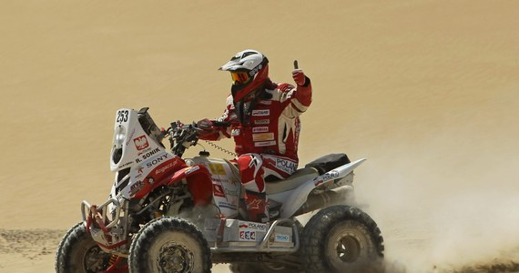 Po pięciu etapach 35. Rajdu Dakar w czołówce kierowców jadących quadami nadal jest dwóch Polaków - Łukasz Łaskawiec na trzeciej pozycji i Rafał Sonik na czwartej. W gronie motocyklistów ósme miejsce zajmuje Jakub Przygoński.