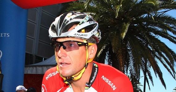 Lance Armstrong przyzna się do dopingu i przeprosi za swoje błędy - twierdzi anonimowy informator agencji Associated Press przed występem dożywotnio zdyskwalifikowanego kolarza w programie słynnej Oprah Winfrey. Sam Armstrong obiecał szczerze odpowiedzieć na każde pytanie.