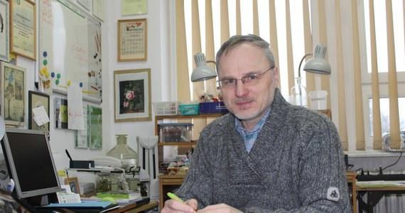 """""""Współtworzenie Wikipedii to znakomity sposób aktywnego uczenia się. Bo jeśli się tylko czyta, to niewiele można z tego zapamiętać. Natomiast jeśli się próbuje opowiedzieć o swoim przemyśleniu komuś innemu, jest to znacznie efektywniejsze uczenie się. Zatem najwięcej z Wikipedii korzystają ci, którzy piszą, a nie ci, którzy czytają"""" - mówi w rozmowie z reporterem RMF FM profesor Stanisław Czachorowski z Uniwersytetu Warmińsko-Mazurskiego w Olsztynie. """"Wikipedia, cały ten ruch, wyłamał pewne schematy. Ta filozofia przedostaje się coraz mocniej do uniwersytetów i publikacji stricte naukowych"""" - podkreśla."""