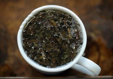 Nad angielską herbatą unoszą się czarne chmury?