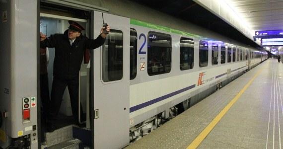 Po kilkugodzinnych rozmowach przedstawiciele kolejowych związków zawodowych i pracodawcy przerwali mediacje. Kolejne spotkanie zaplanowano na środę. Od wyniku rozmów związkowcy uzależniają, czy podejmą strajk generalny na kolei.
