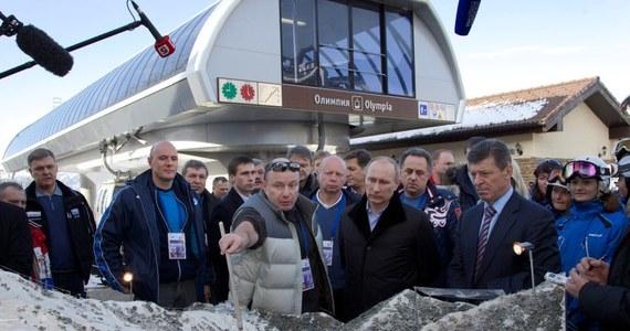 Do rozpoczęcia 22. Zimowych Igrzysk Olimpijskich w Soczi pozostaje rok. Komitet Organizacyjny zapewnia, że przygotowania do imprezy przebiegają zgodnie z harmonogramem. Na obiektach sportowych trwają ostatnie prace wykończeniowe. Opóźniona jest jedynie budowa stadionu miejskiego, na którym odbędą się ceremonie otwarcia i zamknięcia igrzysk.