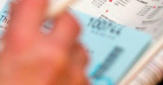 Na rok przed rozpoczęciem 22. Zimowych Igrzysk Olimpijskich w Soczi rusza sprzedaż biletów na wszystkie zawody. Ich ceny, zatwierdzone przez Międynarodowy Komitet Olimpijski (MKOl), do ostatniej chwili są utrzymywane w tajemnicy. Wejściówki mają być dostępne dla wszystkich i kosztować tyle, ile podczas poprzednich igrzysk. W przypadku niektórych dyscyplin ich cena będzie nawet mniejsza.