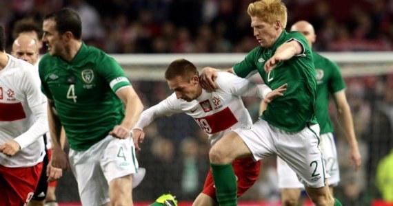 Polska reprezentacja przegrała w meczu towarzyskim z Irlandią 0:2. W pierwszej połowie dużo lepiej grający Polacy rzadko dawali Irlandczykom szansę na gola, ale do straty bramki wystarczyła kumulacja błędów. Bramkę dla gospodarzy zdobył w 36 min Ciaran Clark, a drugą - w 76 min - Wes Hoolahan.