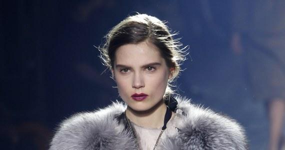 Paryskie pokazy damskiej mody na przyszłą jesień i zimę są już na półmetku. Wiemy, co trzeba będzie wyrzucić z szafy, co w niej zostawić, a co ewentualnie dokupić.