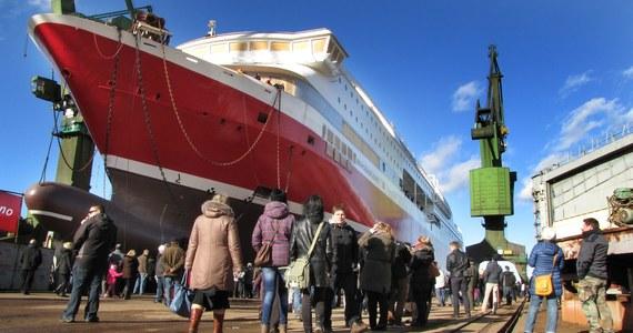 W Stoczni Gdańskiej zwodowano dziś 170-metrowy prom dla norweskiego armatora. Takich uroczystości w tym roku nie będzie jednak zbyt wiele. Zakład czeka zmniejszenie produkcji statków i zwolnienia.