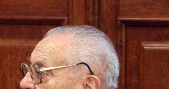 Zmarł gen. Florian Siwicki, szef MON w latach 1983-90, współpracownik gen. Wojciecha Jaruzelskiego, członek Wojskowej Rady Ocalenia Narodowego. Miał 88 lat. O śmierci Siwickiego poinformował minister obrony Tomasz Siemoniak.