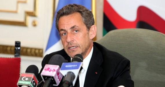 """Były prezydent Francji Nicolas Sarkozy usłyszał zarzut wyłudzenia pieniędzy od schorowanej osoby w podeszłym wieku. Francuska prokuratura podejrzewa, że wzbogacił się o 6 milionów euro kosztem najbogatszej kobiety tego kraju - miliarderki Liliane Bettencour, która jest współwłaścicielką wielkiego koncernu kosmetycznego """"L'Oreal""""."""