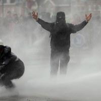 Pracownicy jednej z belgijskich firm protestują przeciwko masowym zwolnieniom [PAP/EPA/OLIVIER HOSLET ]