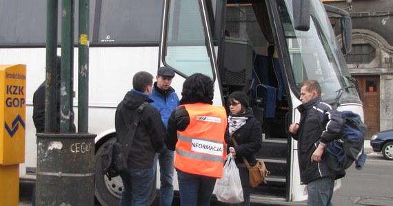 Do godz. 10 potrwa strajk na kolei na Śląsku. Na trasy nie wyjedzie ponad 130 składów. Również przez dwie godziny nie będą pracować nauczyciele. Uczniowie mają mieć jednak zapewnioną opiekę. Rano protestowali kierowcy autobusów i tramwajarze.