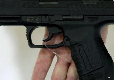 Policja miała prawie 13 tys. niepewnych pistoletów