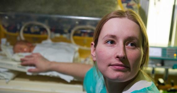 Anna Wojciechowska, która jest po przeszczepie serca, urodziła drugie dziecko. To pierwszy w Polsce i dwunasty na świecie przypadek kolejnego powicia dziecka przez kobietę z przeszczepionym sercem.