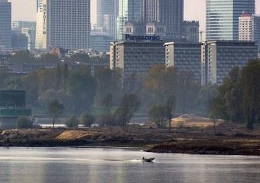 Łódź zatonęła na Wiśle w Warszawie. Poszukiwania mężczyzny