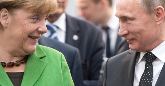 """Prezydent Rosji Władimir Putin zaostrzył kurs wobec Niemiec. Stawia na konfrontację z władzami w Berlinie - pisze tygodnik """"Der Spiegel"""" w opublikowanym materiale """"Koniec przyjaźni"""". Jednym z powodów zmiany rosyjskiej polityki jest reinterpretacja historii przez niemiecką telewizję ZDF."""