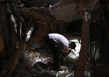 Pod gruzami zawalonej fabryki w Bangladeszu wybuchł pożar