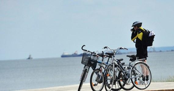 Weekend majowy sprzyja rowerowym wycieczkom. Ci, którzy zdecydowali się spędzić wolny czas nad morzem, nie będą narzekać na trasy dla tych jednośladów. Jest ich tam bowiem pod dostatkiem!