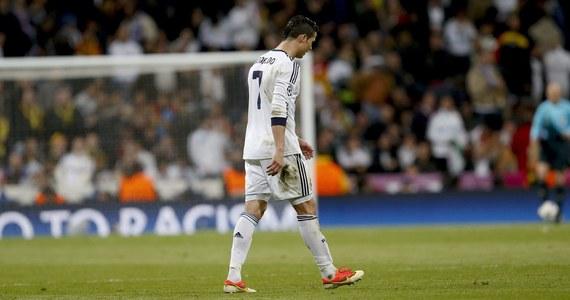 Hiszpańskie media z ogromnym rozczarowaniem oceniają rewanżowy mecz półfinałowy piłkarskiej Ligi Mistrzów, w którym Real pokonał w Madrycie Borussię Dortmund, ale i odpadł z rywalizacji. W pierwszym spotkaniu niemiecka drużyna zwyciężyła 4:1.