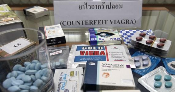 Koncern farmaceutyczny Pfizer zapowiedział, że będzie sprzedawać viagrę, czyli najbardziej znany na świecie lek na potencję, przez internet. Ma to być walka z podrabianymi lekami już dostępnymi w sieci. Viagra jest najczęściej fałszowanym medykamentem, który można kupić online.