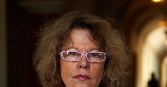 Prawnicy Szwedki, która trzy lata temu przeszła w Pomorskim Centrum Traumatologii w Gdańsku nieudaną operację powiększenia piersi, domagają się 6 milionów złotych odszkodowania i zadośćuczynienia. Pochodząca z Malmoe Christina Hedlund zapadła w śpiączkę, do dziś jest w stanie wegetatywnym - nie mówi, jej kontakt ze światem jest bardzo ograniczony.