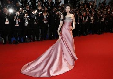 Piękne kobiety na czerwonym dywanie w Cannes