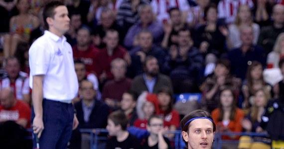 """Treningi u włoskiego szkoleniowca Andrei Anastasiego nie należą do najlżejszych. Polscy siatkarze w Spale przygotowują się do Ligi Światowej. """"Czasami budzę się rano i wszystko mnie boli"""" - mówi Michał Winiarski. Liga rusza za ponad dwa tygodnie."""