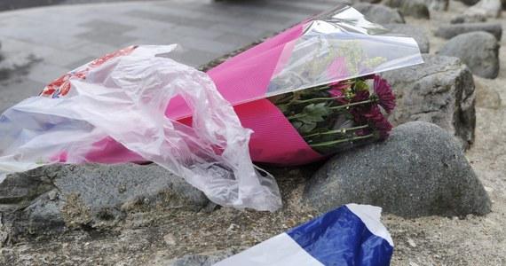 Brytyjski premier David Cameron zwołał nadzwyczajne posiedzenie sztabu antykryzysowego Cobra po tym, jak dwaj sprawcy brutalnie zabili mężczyznę na ulicy w Londynie. Według źródeł rządowych napaść jest traktowana jako możliwy atak terrorystyczny.