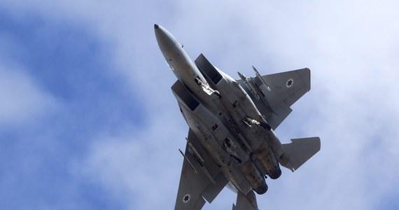 Amerykański myśliwiec F-15 wpadł do morza u wybrzeży japońskiej wyspy Okinawa wkrótce po starcie z bazy lotniczej Kadena. Pilot maszyny zdążył się katapultować - poinformował rzecznik dowództwa wojsk USA w Japonii. Na razie nie wiadomo, co było przyczyną katastrofy.