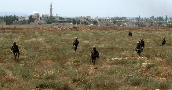 Siły zbrojne Turcji poinformowały, że tamtejsi żołnierze odpowiedzieli ogniem na ostrzelanie ich transportera opancerzonego z terytorium Syrii. W wyniku ostrzału nikt nie został ranny.