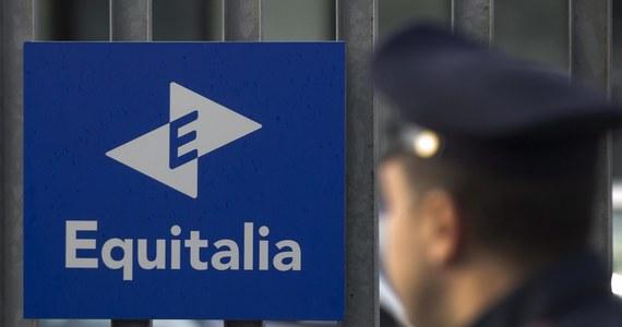 Wezwanie do zapłacenia 25 milionów euro kary otrzymał bezrobotny z Neapolu, którego pech polega na tym, że nazywa się tak, jak jeden z bossów miejscowej mafii - kamorry. To najbardziej spektakularna pomyłka krytykowanej agencji, ściągającej zaległe podatki i inne należności.