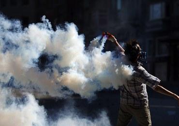 Starcia policji z tłumem na placu Taksim w Stambule