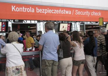 Dantejskie sceny w porcie lotniczym w Warszawie