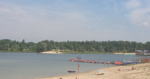 Woda i piaszczyste brzegi miejskich kąpielisk przyciągają pierwszych plażowiczów. Z niektórych można już korzystać od wczoraj. Inne dopiero przygotowują się do sezonu letniego. Jeśli wypoczywacie nad wodą, prześlijcie nam zdjęcia!