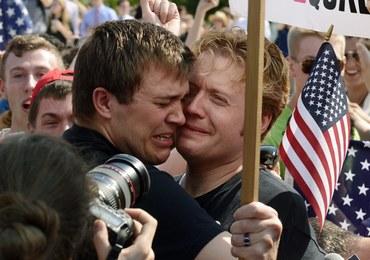 Małżeństwa hetero- i homoseksualne w USA mają takie same prawa