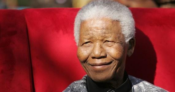 """Widać """"ogromną poprawę"""" stanu zdrowia Nelsona Mandeli w porównaniu z jego kondycją sprzed kilku dni - powiedziała jego była żona Winnie Madikizela-Mandela. 94-letni były prezydent RPA i laureat Pokojowej Nagrody Nobla trafił 8 czerwca do szpitala w Pretorii z powodu infekcji płuc."""