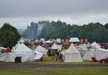 Grunwald przywitał rycerzy deszczem. O 16:00 stanęli do walki w błocie