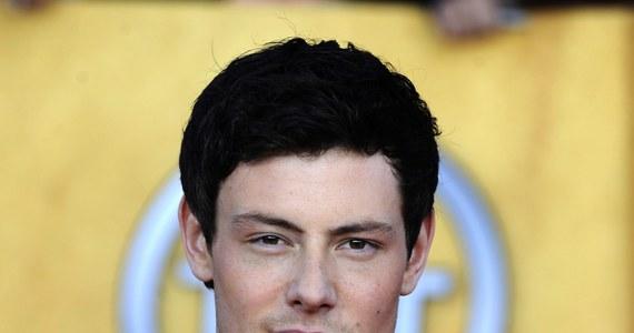 """Kanadyjski aktor Cory Monteith, gwiazda popularnego serialu """"Glee"""", zmarł z powodu przedawkowania heroiny i alkoholu - poinformował urząd koronera prowincji Kolumbia Brytyjska. Aktor miał 31 lat."""