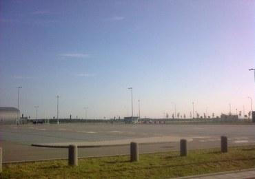 Pustki na lotnisku w Modlinie