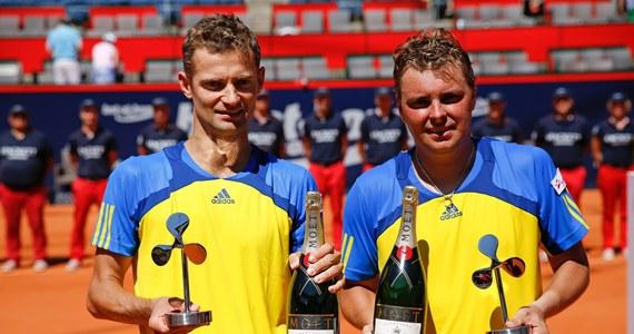 Mariusz Fyrstenberg i Marcin Matkowski wygrali tenisowy turniej w Hamburgu. W finale pokonali Brazylijczyków Alexandra Peyę i Bruno Soaresa 3:6, 6:1, 10-8. Dzięki temu zarobili blisko 80 tysięcy euro.