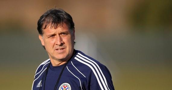 """Argentyńczyk Gerardo """"Tata"""" Martino został szkoleniowcem piłkarzy Barcelony - poinformowała strona internetowa klubu. Dotychczasowy trener Newell's Old Boys podpisał z mistrzem Hiszpanii dwuletni kontrakt."""