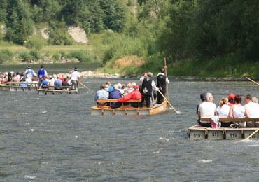 Dwie turystki wpadły do wody podczas spływu po Dunajcu