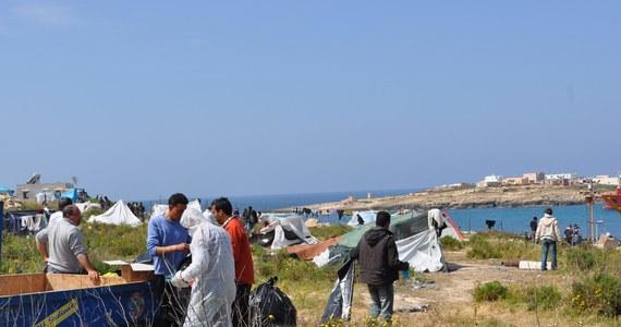 Sycylijscy karabinierzy i straż przybrzeżna znaleźli na plaży w pobliżu portowego miasta Katania ciała sześciu osób. Należą one do nielegalnych imigrantów, prawdopodobnie Syryjczyków.