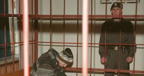 W Żytomierzu na Ukrainie zmarł seryjny zabójca Anatolij Onoprijenko, który odsiadywał tam wyrok dożywotniego więzienia za zamordowanie 52 osób, w tym 10 dzieci. Znany był jako Bestia z Żytomierza.