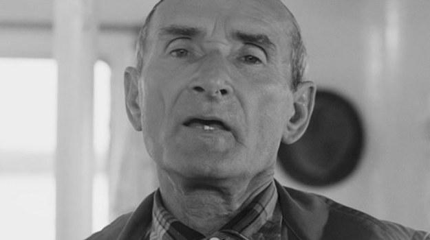 """""""Rejs"""", reż. Marek Piwowski – wybór metody głosowania podczas zebrania na statku."""