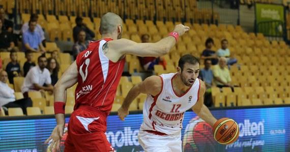 Fatalnie rozpoczęli mistrzostwa Europy polscy koszykarze. W pierwszym meczu turnieju w Słowenii przegrali z Gruzją 67:84. Najwięcej punktów dla drużyny prowadzonej przez Dirka Bauermanna zdobył Maciej Gortat - dwanaście. Kolejny mecz w grupie C Polacy rozegrają jutro, a ich rywalem będą Czesi.